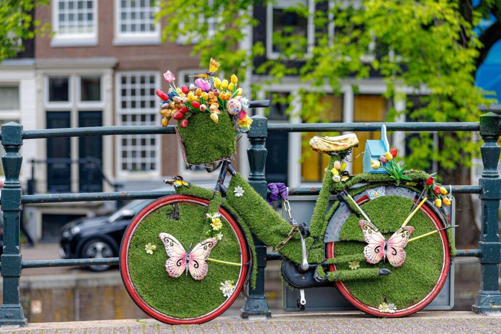 Autó válasszuk a kerékpárt vagy a tömegközlekedést