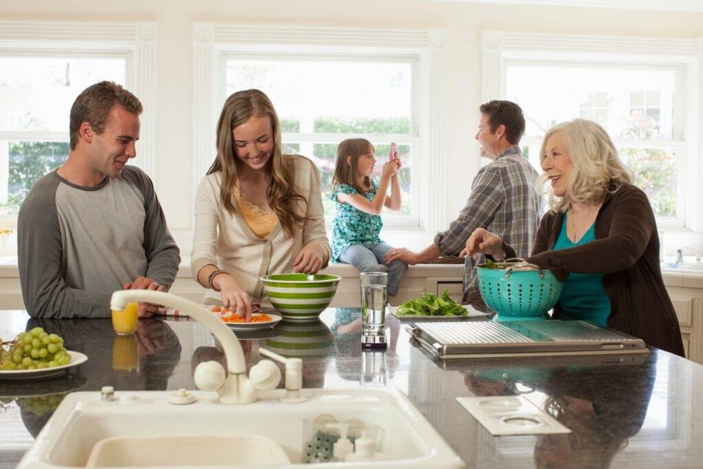 A konyhában összegyűlik a család