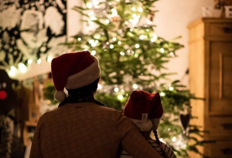 A karácsonyfa sokféleképpen feldíszíthető